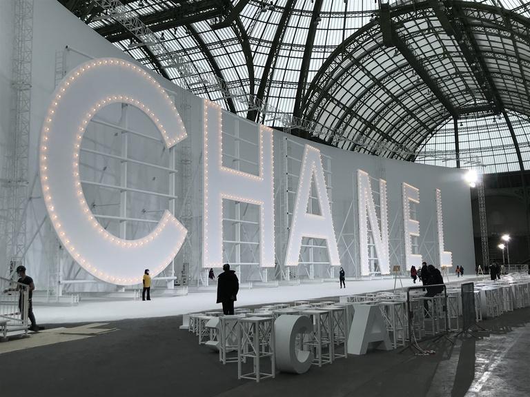 Chanel, Hollywood.
